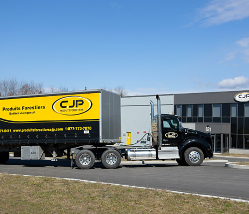 Delivery truck Produits forestiers CJP